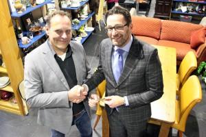 Overdracht Kringloop Midden-Holland aan Noppes Kringloopwinkel
